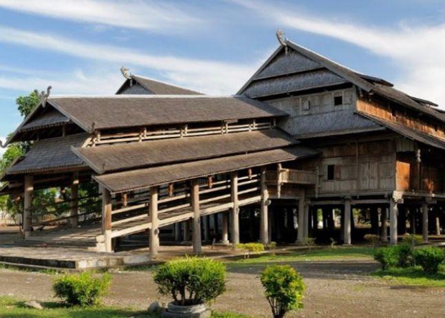 Nusa Tenggara Barat - Rumah Dalam Loka