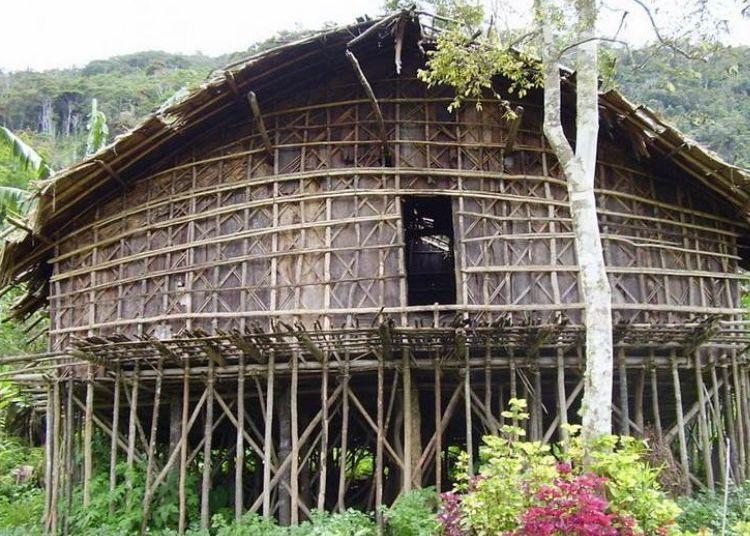 Papua Barat - Rumah Mod Aki Aksa