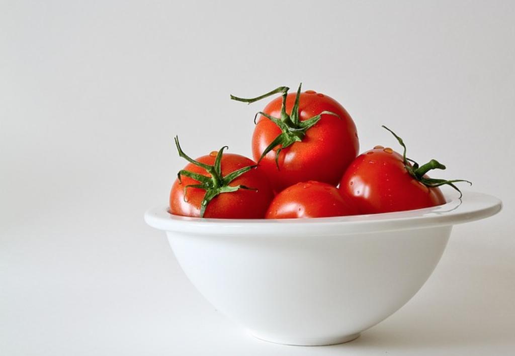 Tomat contoh sumber vitamin c