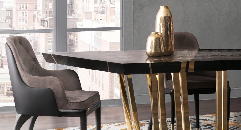 sofa nyaman dan meja panjang