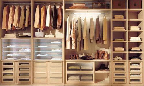 walk in closet minimalis